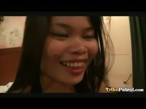 Raunchy Filipina bargirl screws tourist while off-duty