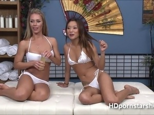 Flawless Nicole and Alines is live on webcam for a show Nicole performs...