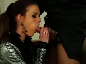 Fetish hoe fingered by sissy