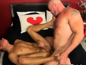 Hot gay Muscled hunks like Casey Williams love to get some a