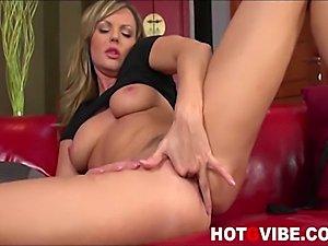 Smoking hot blond pornstar Sandra Sanchez takes the day off to enjoy rubbing...