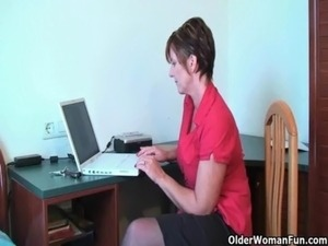 Mom needs to get off after watching online porn free