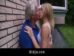 Oldman enjoys some fucking apologies from nasty Bernice free