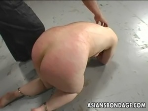 Shackled Japanese chick is spanked before sucking a hard dick free