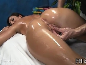 Beautiful gal plays with wang