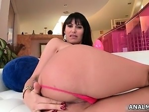 Awesome milf brunette  shows her awesome part3