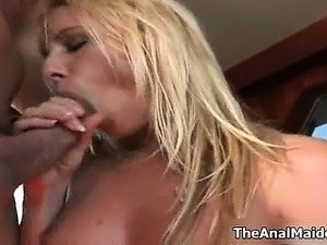 Sexy blonde babes get horny showing off part3
