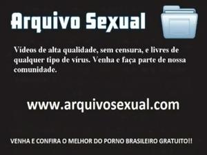 Abrindo a bucetinha e socando a vara bem fundo 8 - www.arquivosexual.com free