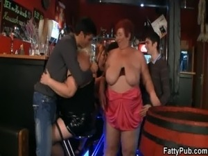 Huge boobs bbw have fun in the bar free