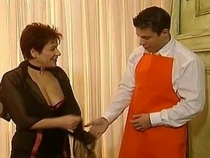 A very kinky madame gets off with a helping ahnd from her gentleman