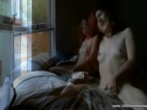 Homemade amateur girlfriend masturbating in bedroom
