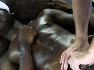 Muscular ebony jock amateur enjoys gay handjob