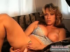Very Hot MILF feeling herself on Webcam