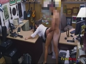 Lady brought stolen property to pawnshop and gave a confession 0031 free