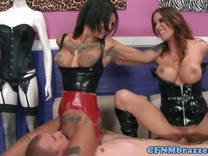 Femdom Gia Dimarco pussyfucked during ffm fun with Bonnie Rotten