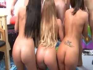 Young students sexing on college party free