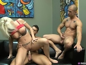 All kinky desires fulfilled in this amazing threesome. ENJOY