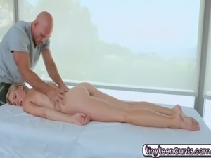 Ella Woods Hot Fuck Massage With Monster Cock free