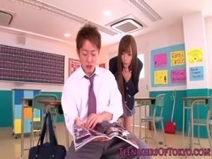 Japanese schoolgirl facialized in classroom free