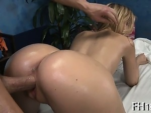 Enjoyable luscious babe can't live without massage