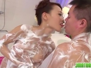 Insolent japanese wife goes nasty in the tub