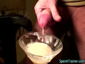 Spremtini cumshot slut swallows free