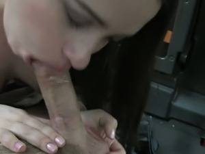 Brunette amateur anal fucking in fake taxi