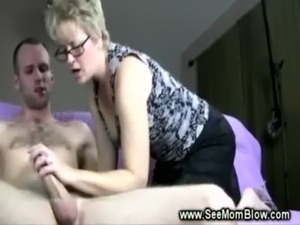 Mature lady wants a facial so she sucks young cock till he cums free