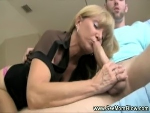Sexy milf with big tits sucks cock for this lucky guy free