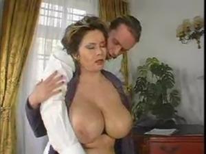 Busty Lady's Titties Dance When ... free
