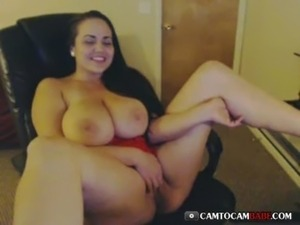 Chubby busty webcam strip chat and masturbating free