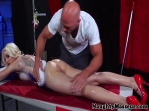 Bodypainted Stevie Shae slowmotion wash free