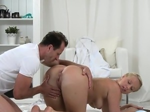 Sexy girl extreme throat