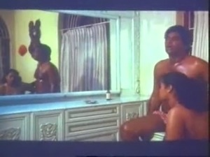 Southindian Mallu B Grade Busty Actress cute OIL MASSAGE