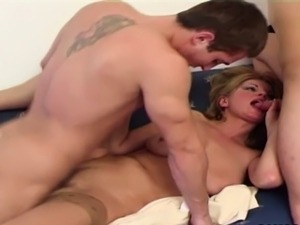Mom makes Threesome fuck with 2 young german boy