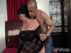 Hot BBW MILF Alexis Couture pleases this guy's cock free