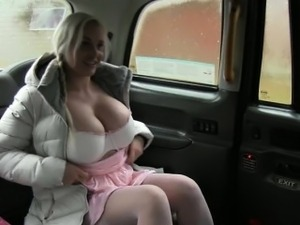 Massive boobs amateur passenger nailed for a free taxi fare