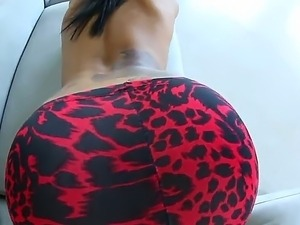 Super hot Ebony sex model Skin Diamond demonstrates her perfect ass in super...