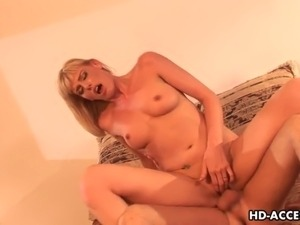 Darryl Hanah is a blonde stunner of a MILF and she knows how much the guys...
