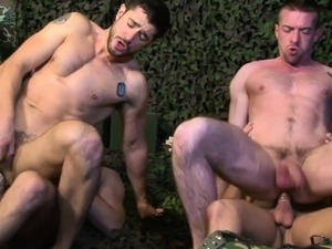 Army muscle jocks getting sucked by stud