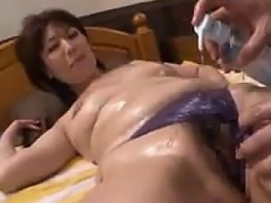 Naughty Japanese MILF Getting Fingered