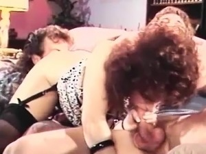 Vintage vid with FFM threesome