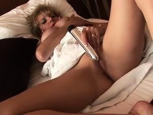 Cute pornstar oops creampie
