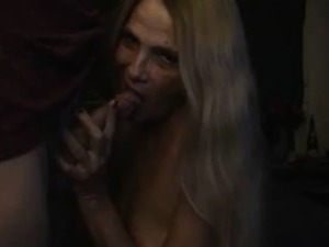 MIlf cock blowing until gets a facial
