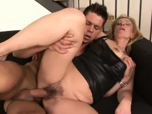 Kinky granny has her wet pussy slammed