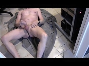 sexy jerking on the floor with cumshot on my belly