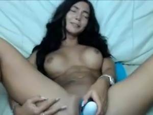 Bigtits brunette and sextoy sex show