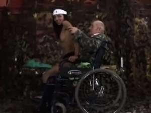 Beautiful teen nurse mounts amputee grandpa in wheelchair