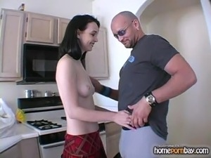 Blowjob from amateur brunette in hot amateur porn