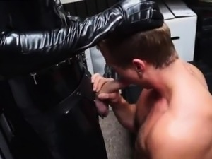 Gangbang cumshots on gay muscle chest porn video He has a ho